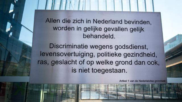 Wat drijft een mens om te discrimineren?